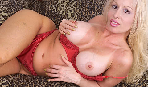 big tits housewife live phone sex and sex text messaging